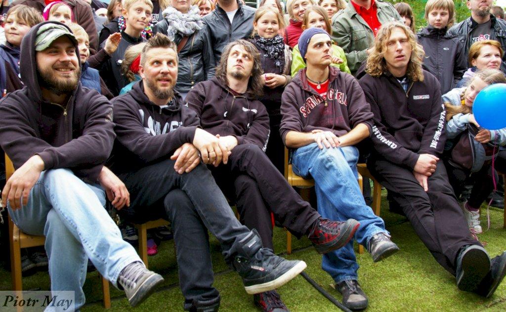 Tajny koncert Luxtorpedy w Puszczykowie pod Poznaniem